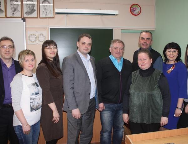 Депутаты встретились с родителями учащихся гимназии № 27