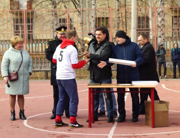 Футбольный турнир в честь 72-летия Победы
