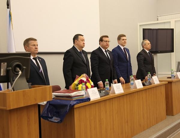 Губернатор Архангельской области Игорь Орлов поздравил Совет депутатов с 20-летием
