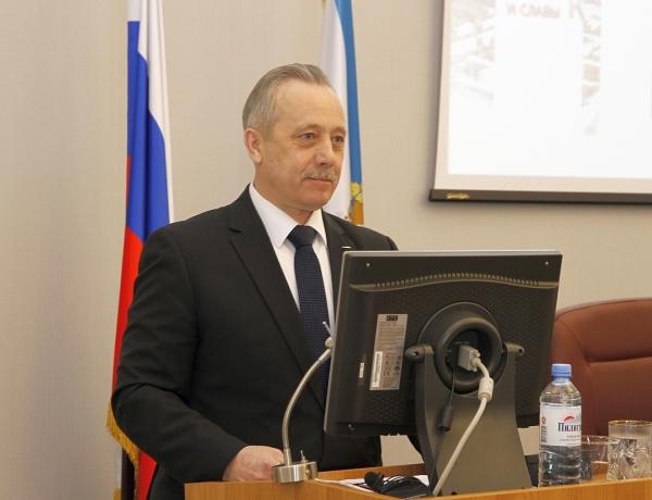 Мэр Северодвинска представил депутатам отчет о работе в 2016 году и ответил на вопросы