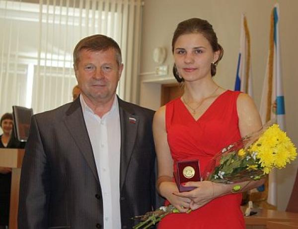 В Северодвинске отметили золотых медалистов