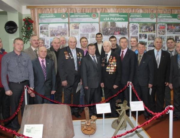 Владимир Мелехин поздравил ветеранов «Звездочки»
