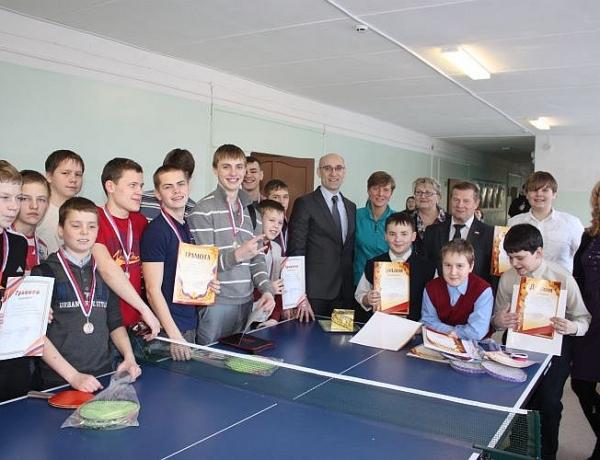 Теннисный турнир при поддержке депутатов состоялся в школе № 24