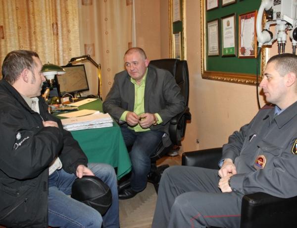 Депутат Игорь Воронцов и участковый Юрий Коваль провели совместный прием граждан