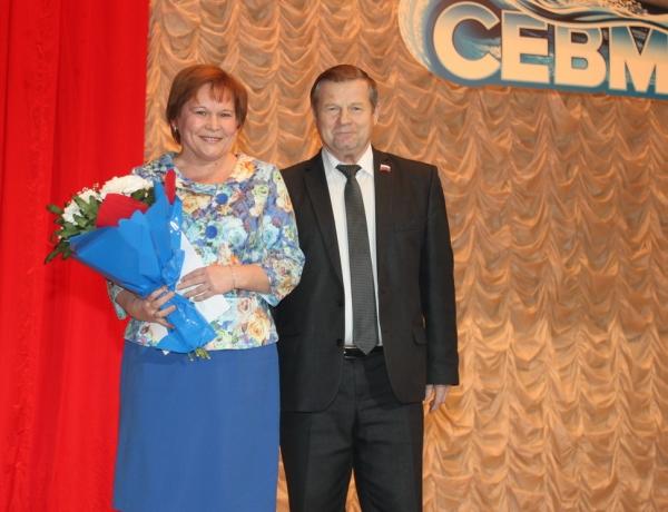 Ветераны «Севмаша» принимают поздравления